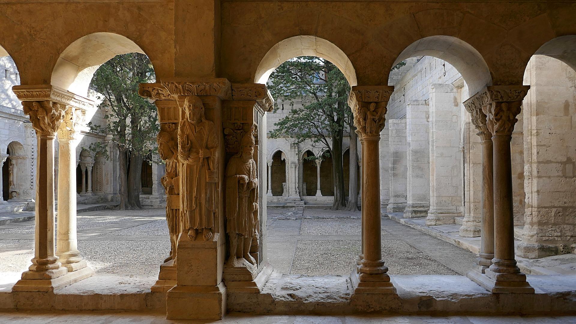 Außergewöhnliche Urlaubsideen: Übernachten in einem Karmeliterkloster in der Provence